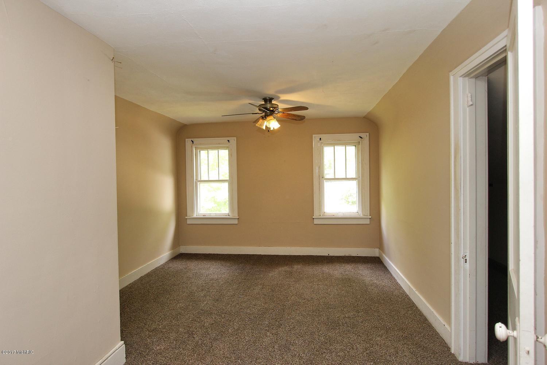 2649 Charlesgate Avenue SW-large-018-12-