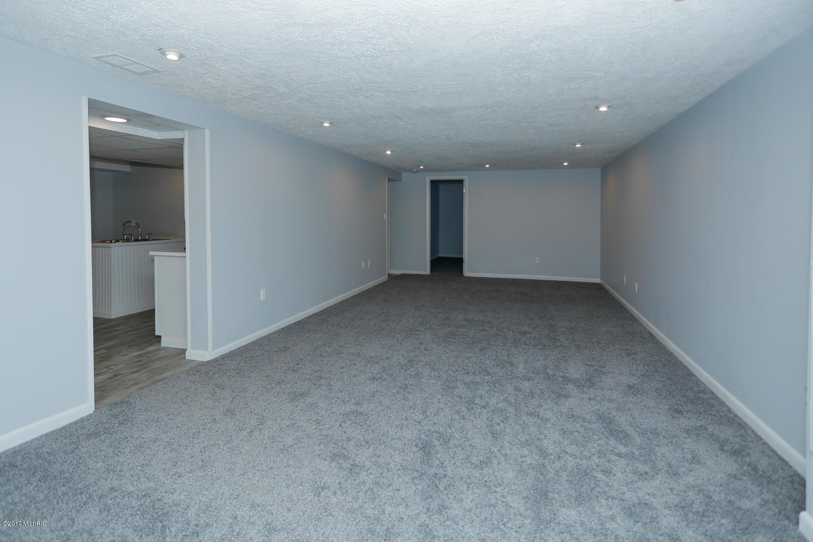1421 Royal Oak Avenue, Portage, MI, 49024, MLS # 17043628 | Jaqua ...