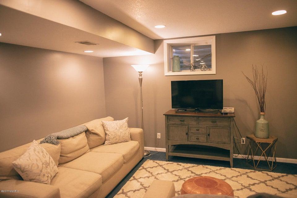 4025 s 12th street kalamazoo mi 49009 sold listing for Hardwood floors kalamazoo