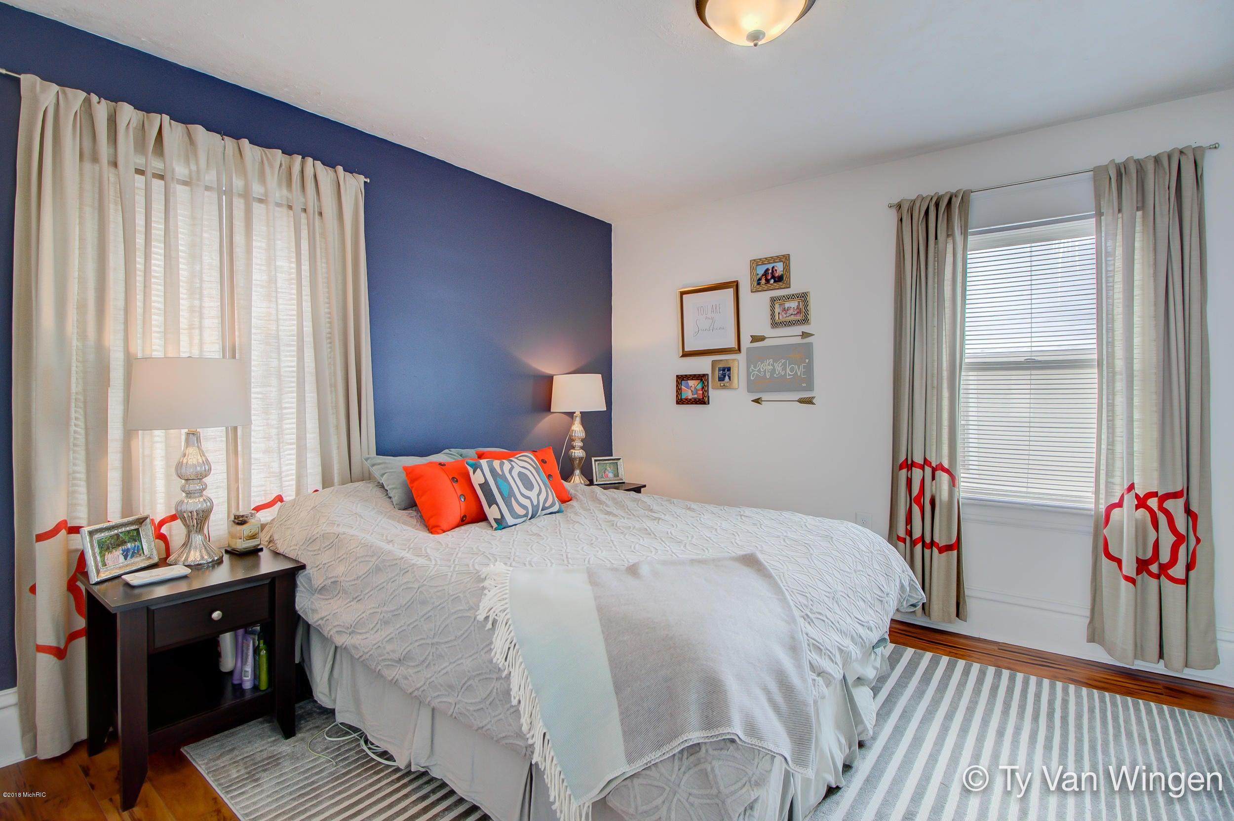 106 Lowell Avenue Ne Grand Rapids Mi 49503 Sold