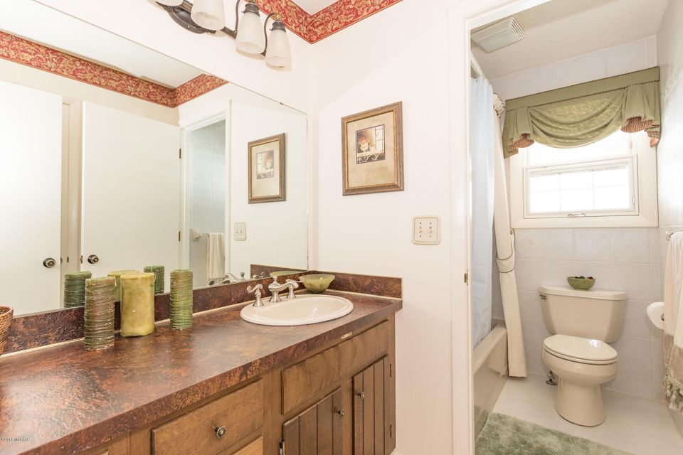 Thrasher Lane Kalamazoo MI MLS Jaqua - Bathroom remodel kalamazoo