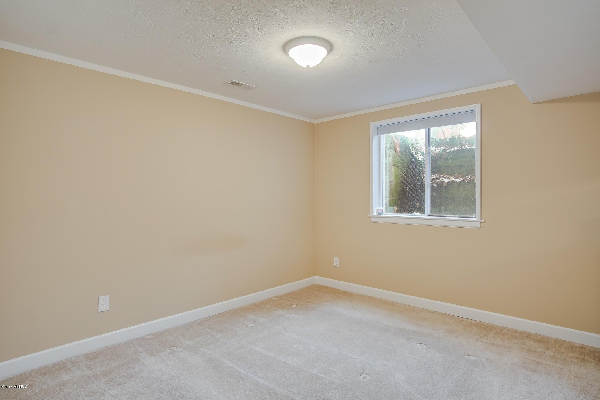 1330 Sycamore Lane, Benton Harbor, MI, 49022, MLS # 17050534 | Jaqua ...