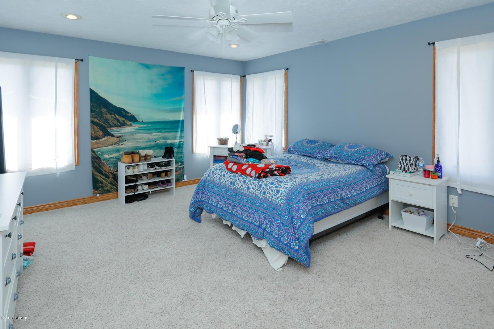 8704 E Long Lake Drive, Scotts, MI, 49088, MLS # 18010213 | Jaqua ...