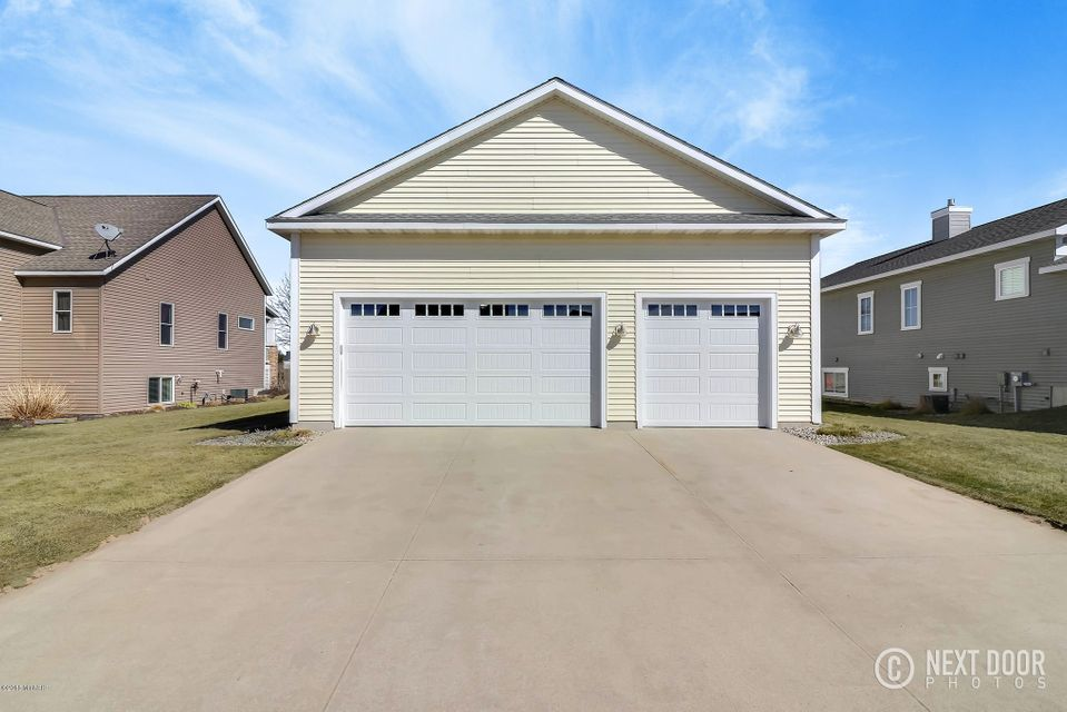 4689 W Perry Circle, Holland, MI 49424