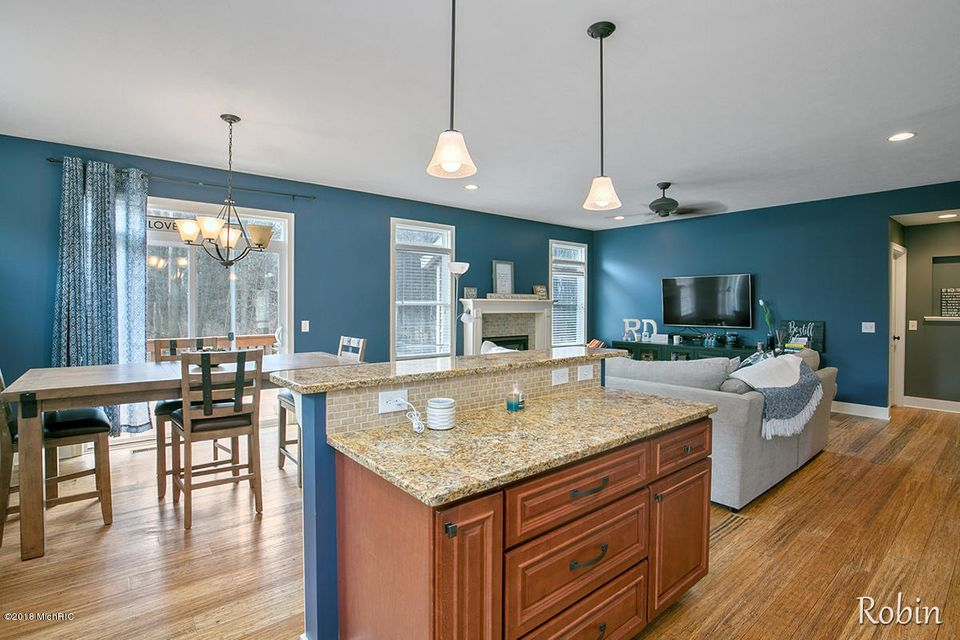 2124 Valley Forge Street NW, Grand Rapids, MI 49504 - SOLD LISTING ...