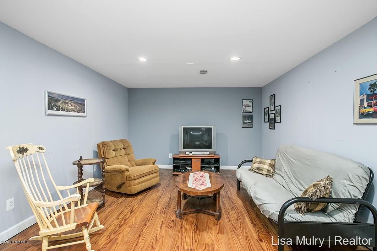 4910 Eastern Avenue SE, Kentwood, MI, 49508, MLS # 18021121 ...
