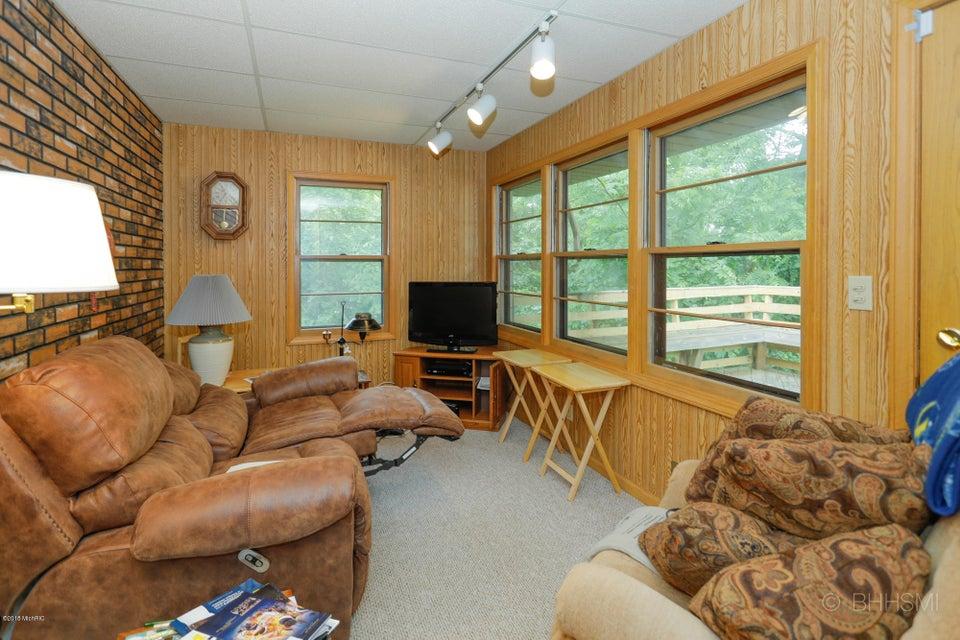 25 Crest Drive, Battle Creek, MI 49017, MLS # 18026892 | Jaqua Realtors