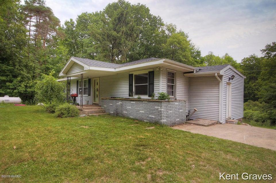 15322 Hanna Avenue NE, Cedar Springs, MI 49319