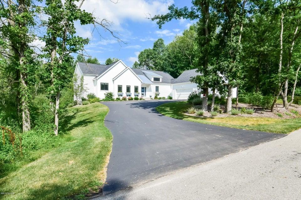 2673 Blackberry Lane NE, Grand Rapids, MI 49525