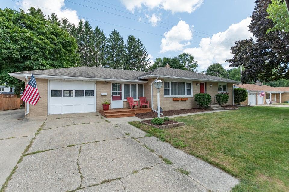 1329 Plumtree Avenue, Portage, MI 49002