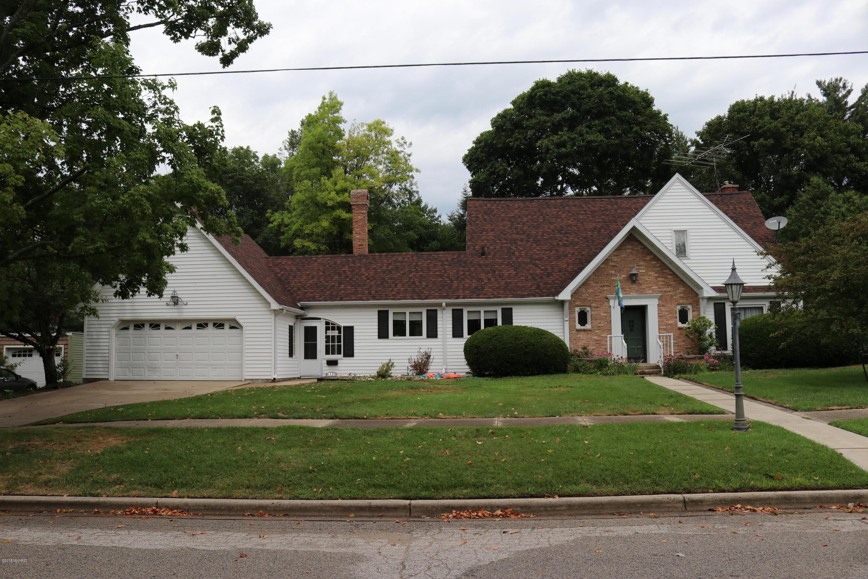 Sold 333 E Maple Street Fremont Mi 49412 4 Beds 2 Full Baths 1 Half Bath 195000 Sold Listing Mls 18038132