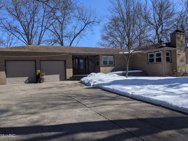 5205 Ridge Rd Stevensville(3): Front