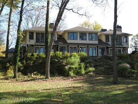 4866 E Gull Lake Drive, Hickory Corners, MI 49060