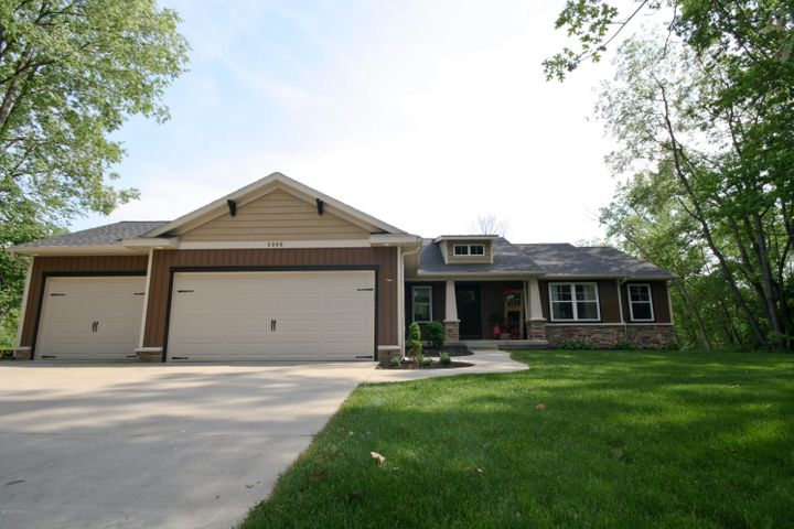 5300 Hidden Woods Lane, Hudsonville, MI 49426