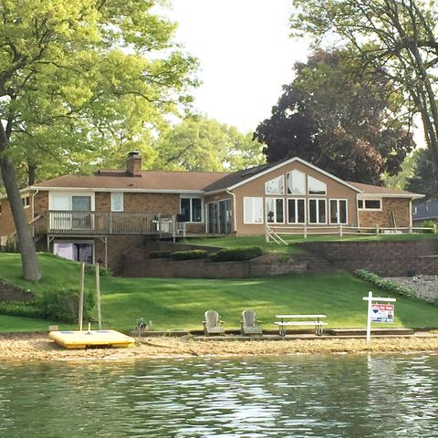 Beautiful Lake front home on Crooked Lake, Texas Twp. Sandy Beach