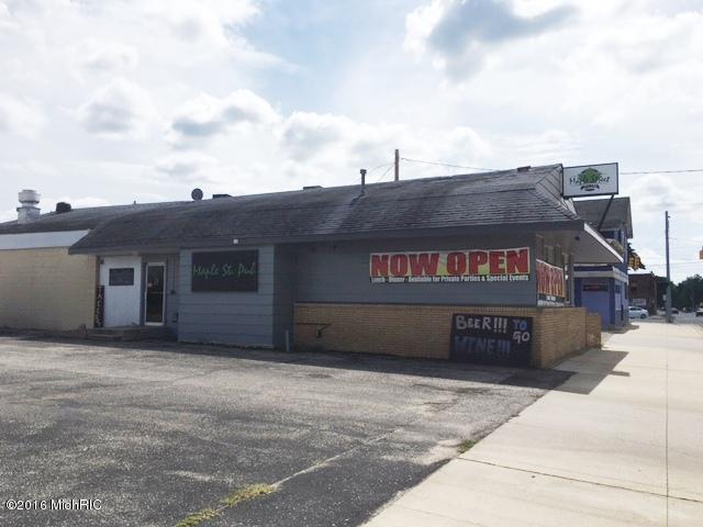 806 Maple Street, Big Rapids, MI 49307