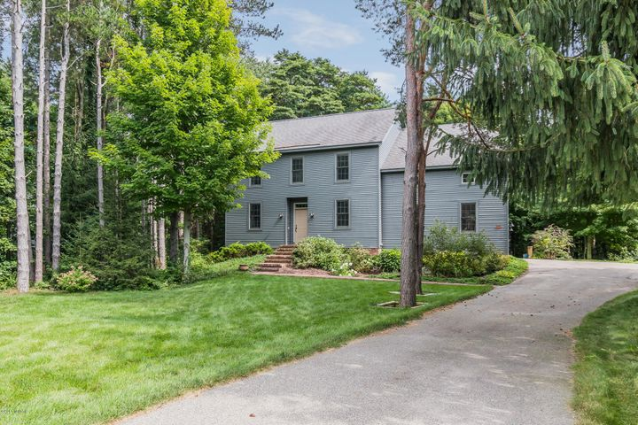 4607 FOREST Lane, Holland, MI 49423