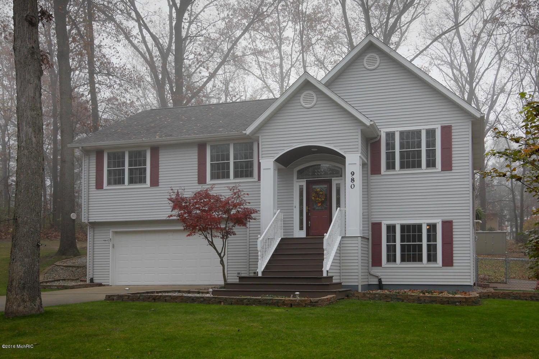 980 Concord Drive, Lawton, MI 49065