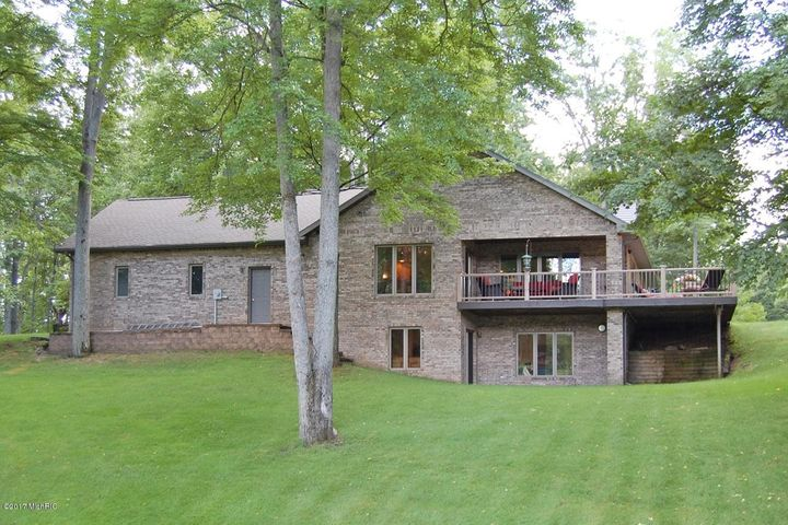 9635 Aberdeen Court, Canadian Lakes, MI 49346