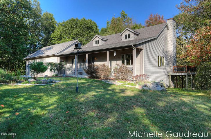 11475 Ridge Point Drive, Middleville, MI 49333