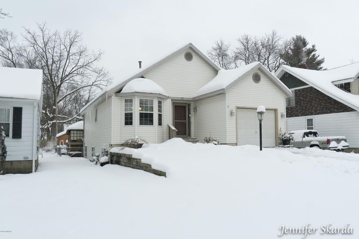 177 E 38th Street, Holland, MI 49423