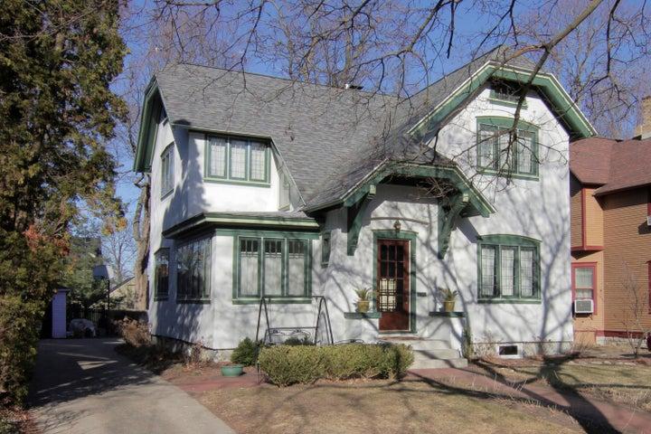 323 Paris Avenue SE, Grand Rapids, MI 49503