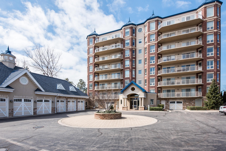 200 Lake Street, 5A, St. Joseph, MI 49085
