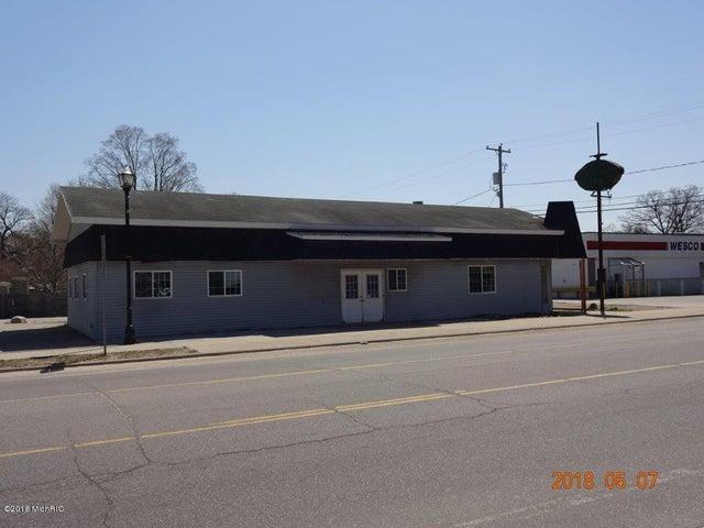 276 S Charles Street, White Cloud, MI 49349