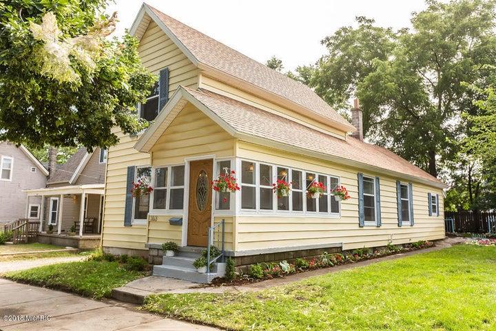 363 Hogadone Avenue SW, Grand Rapids, MI 49504