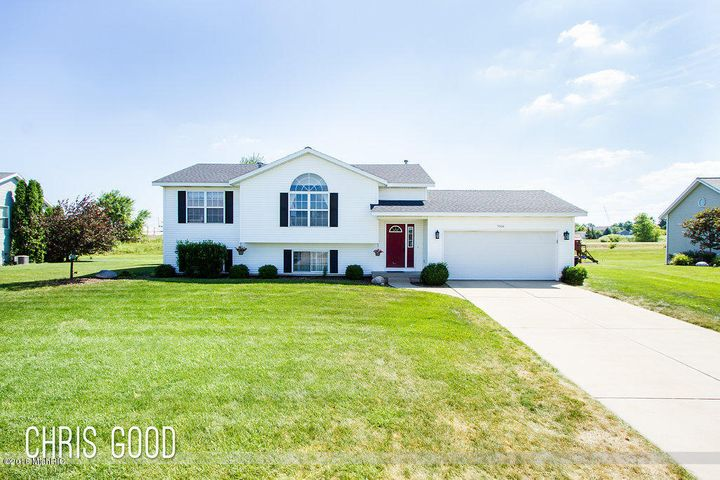 7516 Russell Drive, Hudsonville, MI 49426