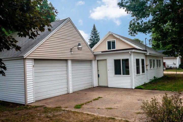 1402 Cedar Street NE, Grand Rapids, MI 49503