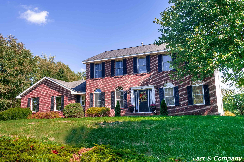4825 Hillside Farms Estates Road NE, Grand Rapids, MI 49525
