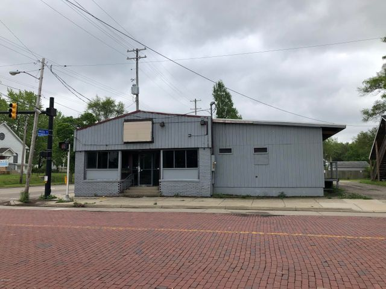 1030 E Vine Street, Kalamazoo, MI 49001