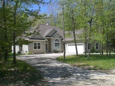 6797 Red Oak Court, Canadian Lakes, MI 49346