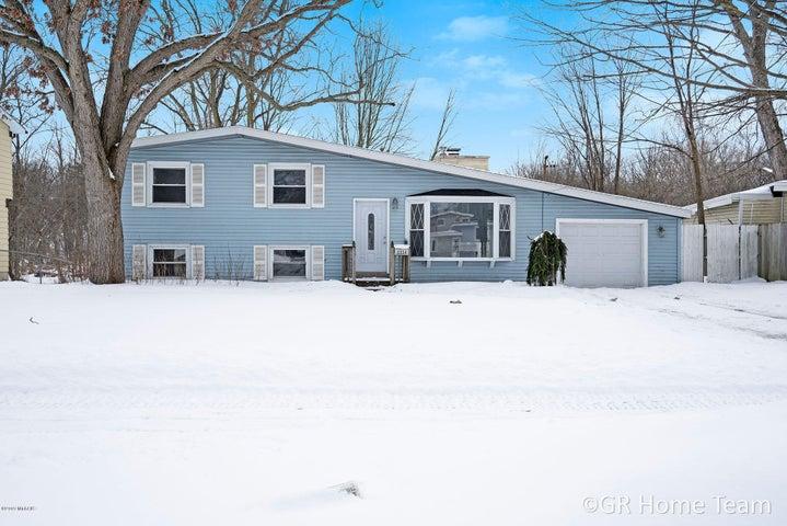 2054 Cypress Street SW, Wyoming, MI 49519