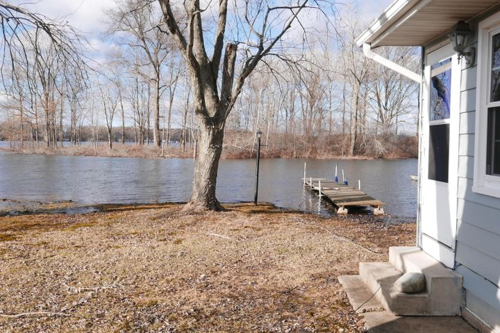 7101 S Pickerel Lake Drive, Scotts, MI 49088