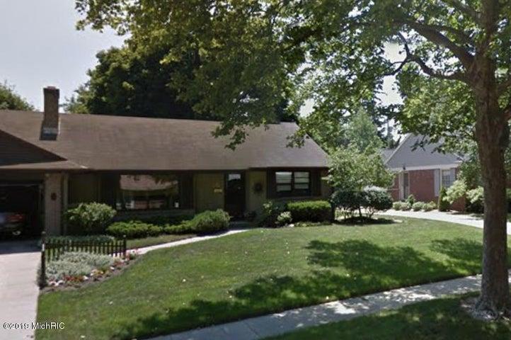 640 Russwood Street NE, Grand Rapids, MI 49505