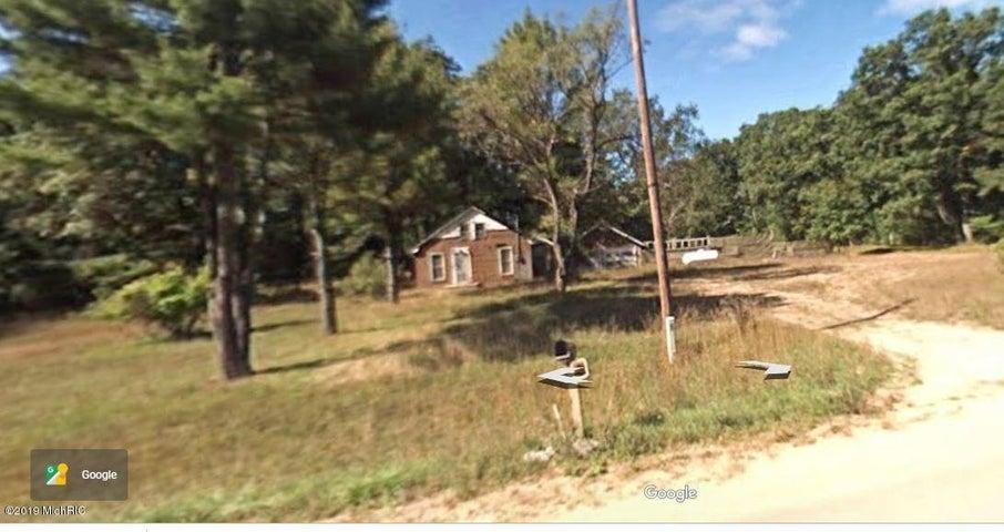 10179 Blue Lake Road, Twin Lake, MI 49457