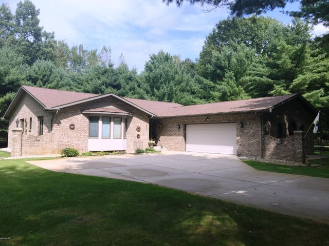 6729 Beechnut Court, 237, Canadian Lakes, MI 49346