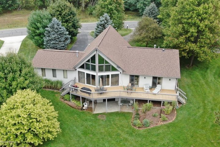10225 105th Avenue, Canadian Lakes, MI 49346