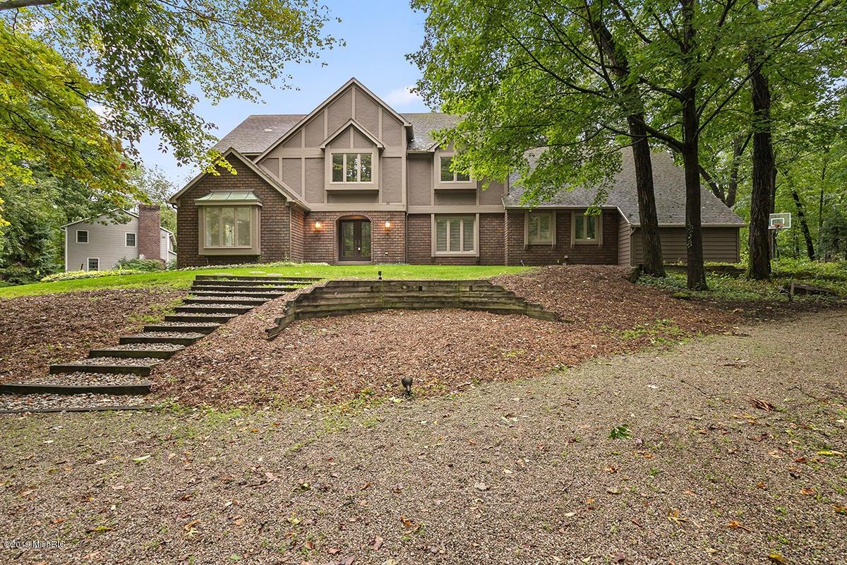 1831 Hillsboro Avenue SE, Grand Rapids, MI 49546