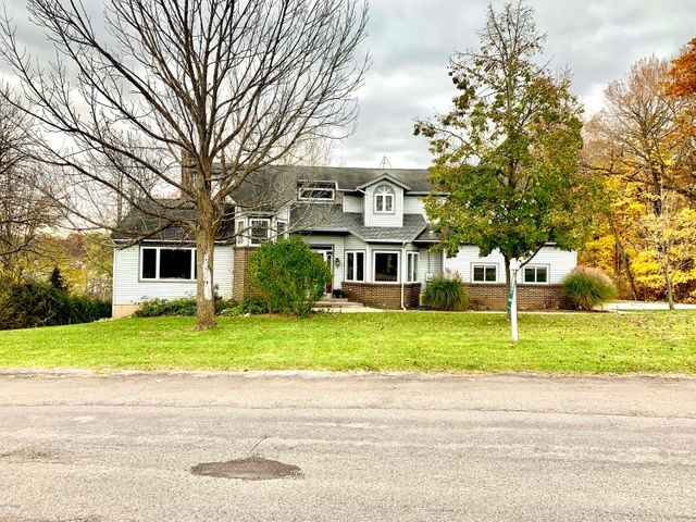 3842 Murray View Drive NE, Lowell, MI 49331