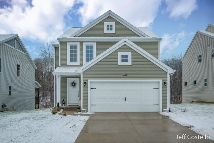 1383 Highland Hill, Lowell, MI 49331
