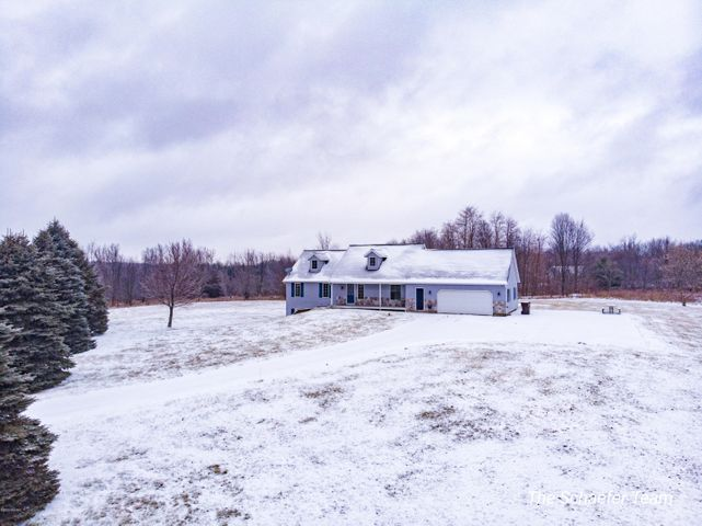 4520 Equestrian Valley Drive NE, Ada, MI 49301