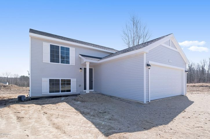 Move In Ready! New Construction 3 BR, 2 Bath Home.