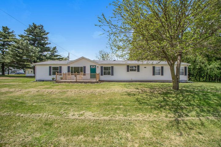 5745 Buffalo Road, Buchanan, MI 49107