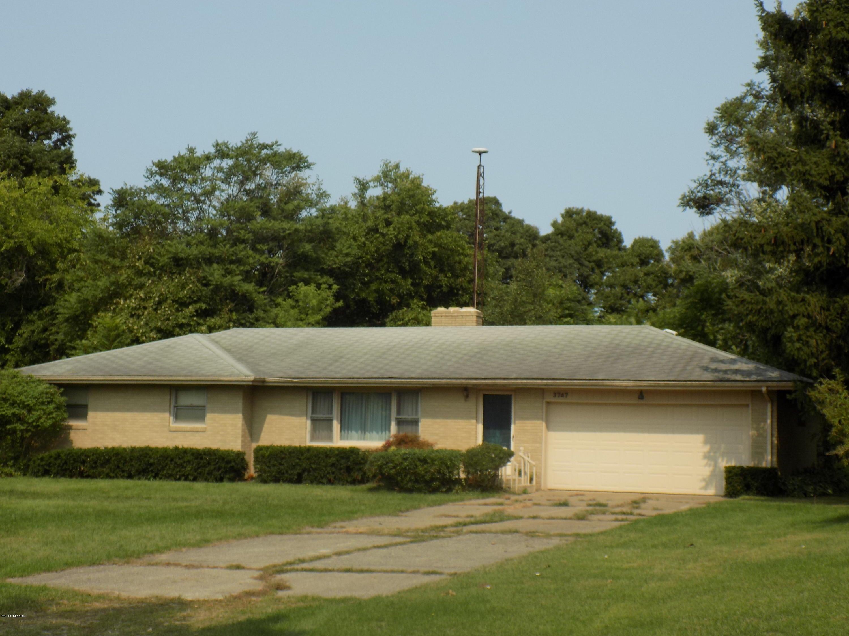3747 E Empire Avenue, Benton Harbor, MI 49022