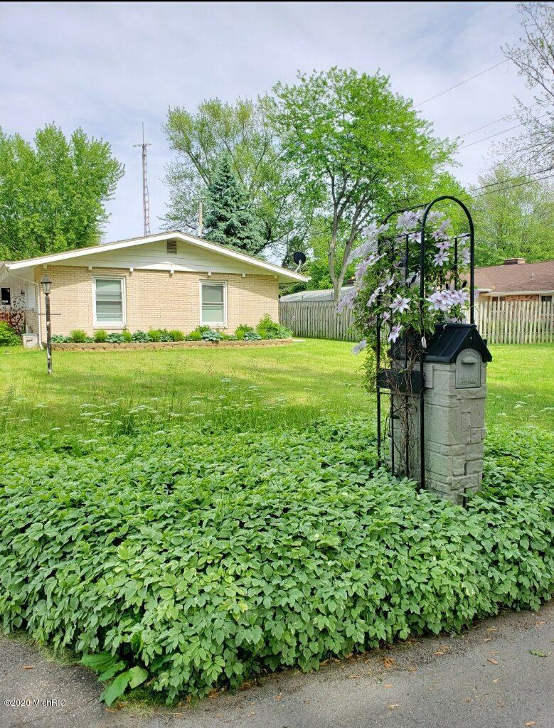 1573 Shawnee Road, Benton Harbor, MI 49022