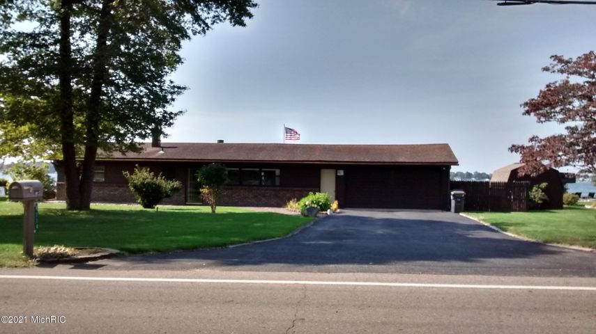 9114 East Shore Drive, Portage, MI 49002