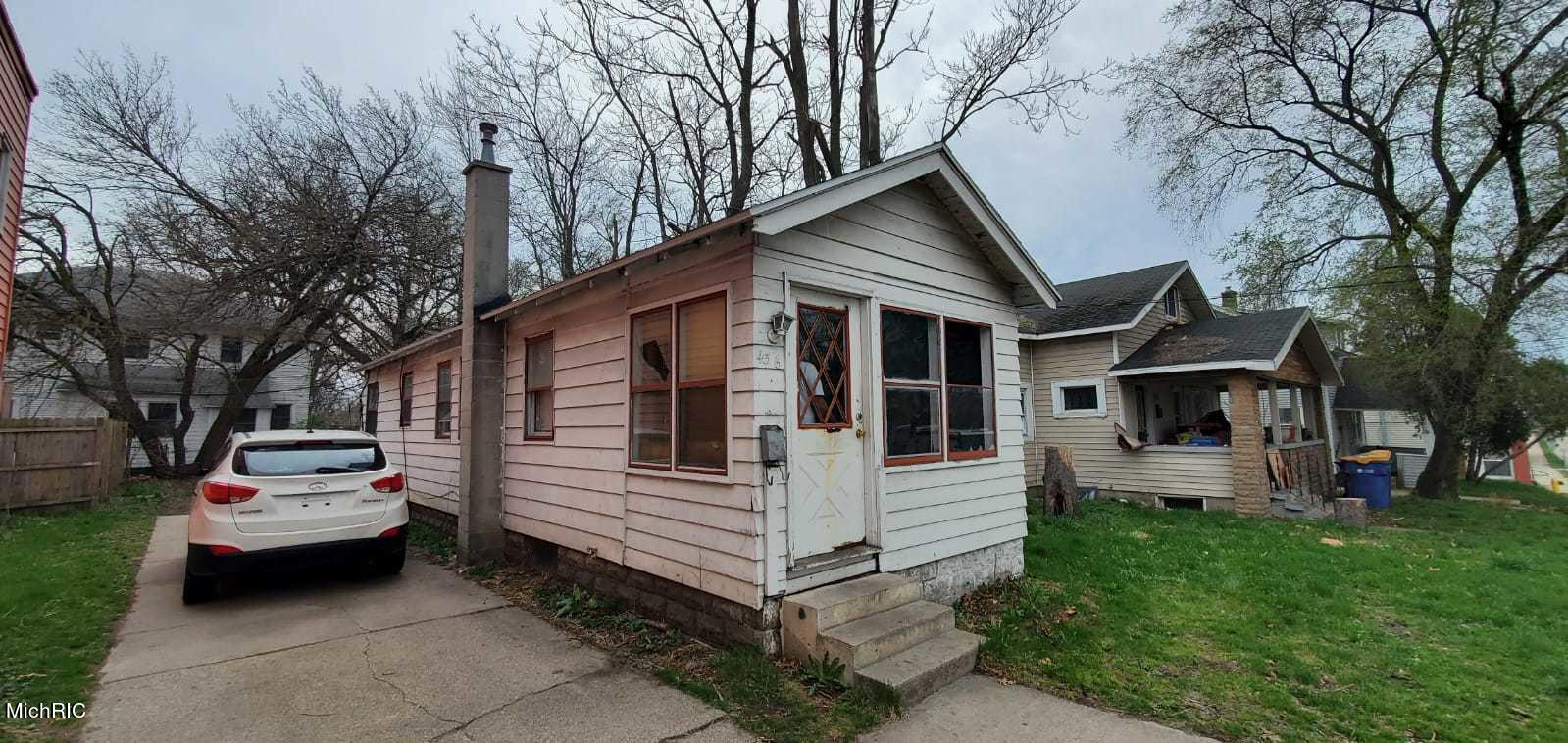 436 Burton St Street SW, Grand Rapids, MI 49507